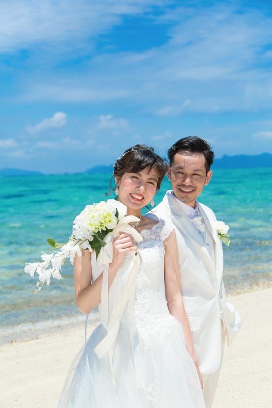 石垣島のビーチでフォトウェディング